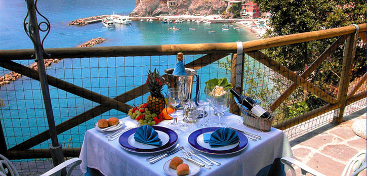 Hotel porto roca monterosso hotel outlet cinque terre for Hotels 5 terres